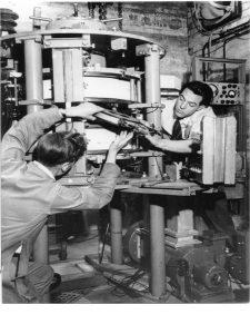 men_working_on_synchrotron